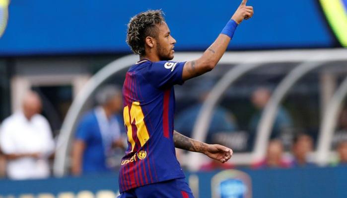 Neymar va rester, convaincu par Messi et Suarez
