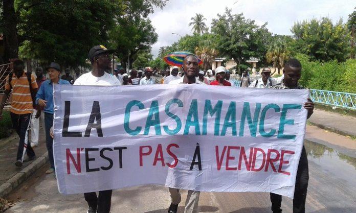 Marche de protestation contre l'exploitation du zircon : Les habitants de Niafrang se disent prêt  à mourir pour empêcher la réalisation de ce projet