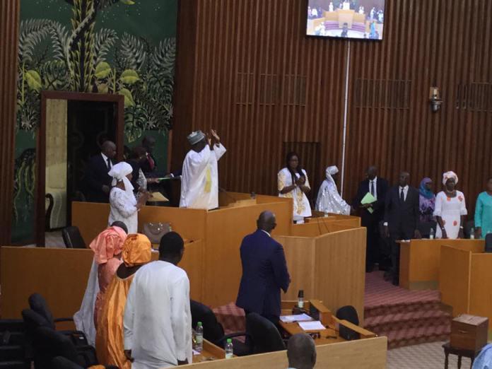 Honorables nos députés (Par Papa Makhtar Diallo)