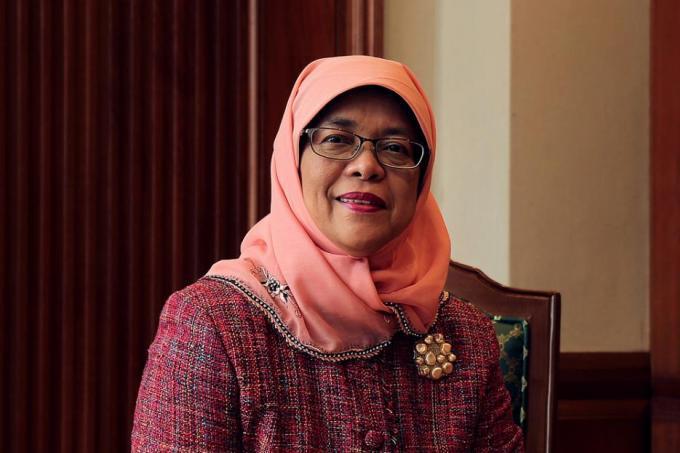Singapour: Halimah Yacob élue Présidente sans élections