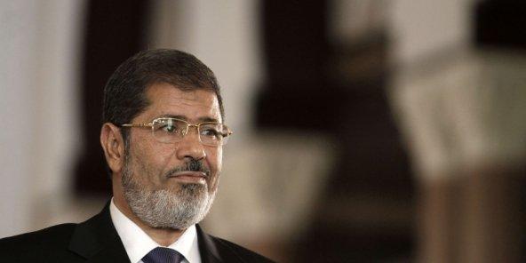 ÉGYPTE: L'EX-PRÉSIDENT MORSI CONDAMNÉ À 3 ANS DE PRISON