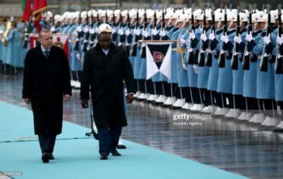 Regardez comment le président Turc a ridiculisé le président Gambien