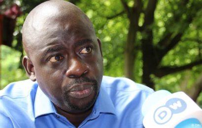 """Felwine SARR: Les gouvernements africains invités à prendre leurs """"responsabilités"""" pour """"éduquer la jeunesse"""""""
