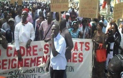 Sénégal : Les enseignants tournent le dos au président Sall et aux réligieux