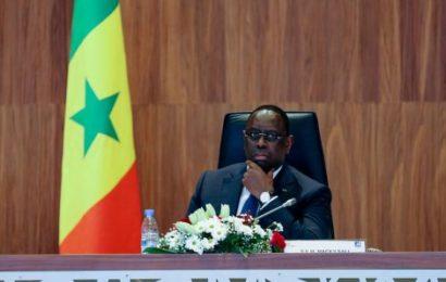 Hué à Paris, Macky se défoule sur les responsables locaux de l'Apr