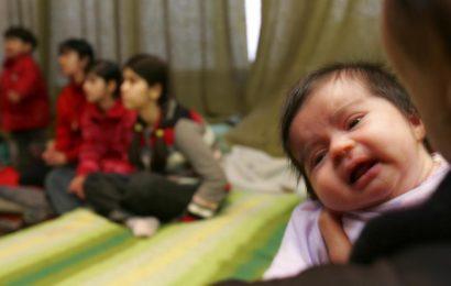 Afghanistan: une femme vend son bébé pour sauver son frere