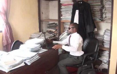 Le Cameroun a son premier avocat non-voyant