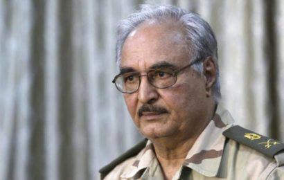 """Libye : Haftar décide de remettre les ports pétroliers au """"gouvernement provisoire"""""""