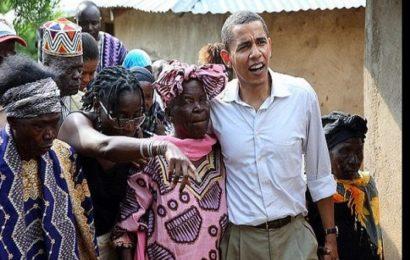 VIDÉO: En visite au Kenya, Barack Obama danse avec sa grand-mère