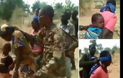 Cameroun: 4 soldats soupçonnés d'avoir exécuté des femmes et leurs enfants arrêtés
