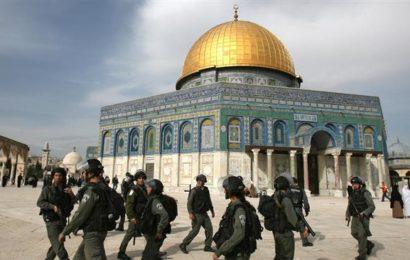 URGENT – La police israélienne ferme les accès de la mosquée Al-Aqsa