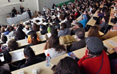 Afrique du Sud: des étudiants refusent de composer un examen qu'ils jugent «trop difficile» (VIDÉO)