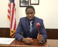 Découvrez l'histoire inspirante de Hanif Johnson, 27 ans, le plus jeune juge de Pennsylvanie