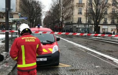 Paris: braquage spectaculaire de banque sur les Champs-Elysées (vidéo)
