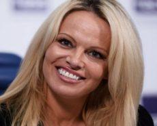 Pamela Anderson : Ses surprenantes révélations sur le sexe