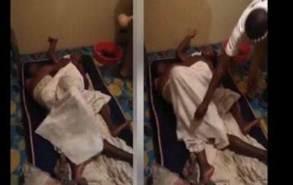 Kenya: un homme collé au cours d'un ébat sexuel avec une femme mariée (VIDEO)