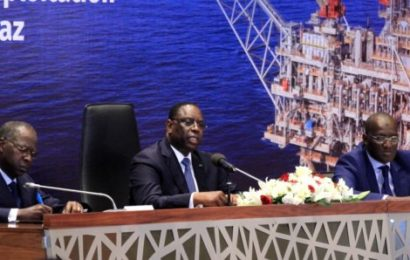Gisement pétrolier : 75.000 à 125 000 barils par jour