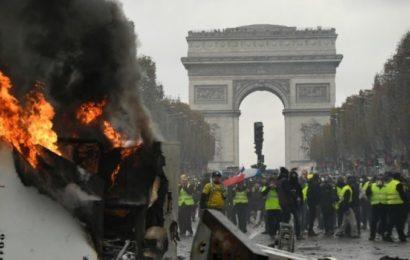 Les champs Elysées incendiés, Emmanuel Macron écourte son séjour au ski