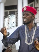 Le candidat à la présidentielle ougandaise, Bobi Wine, sème l'alarme sur le siège militaire à son domicile